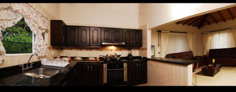 Panoramica cocina sala.jpg